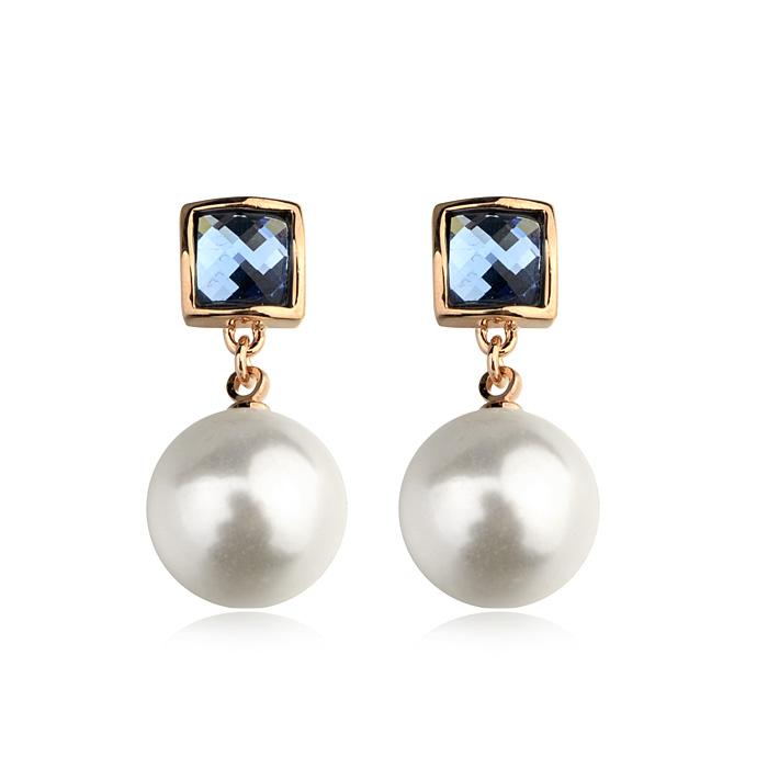 Pearl earring  85297