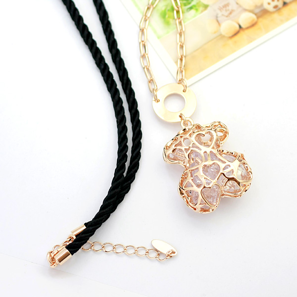Austrian crystal costume necklace 61629