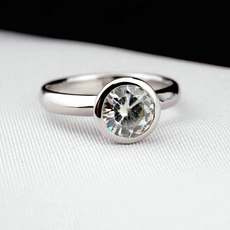round crystal ring 10382002