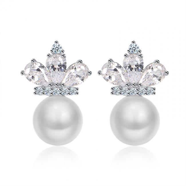 crown pearl earrings 2022