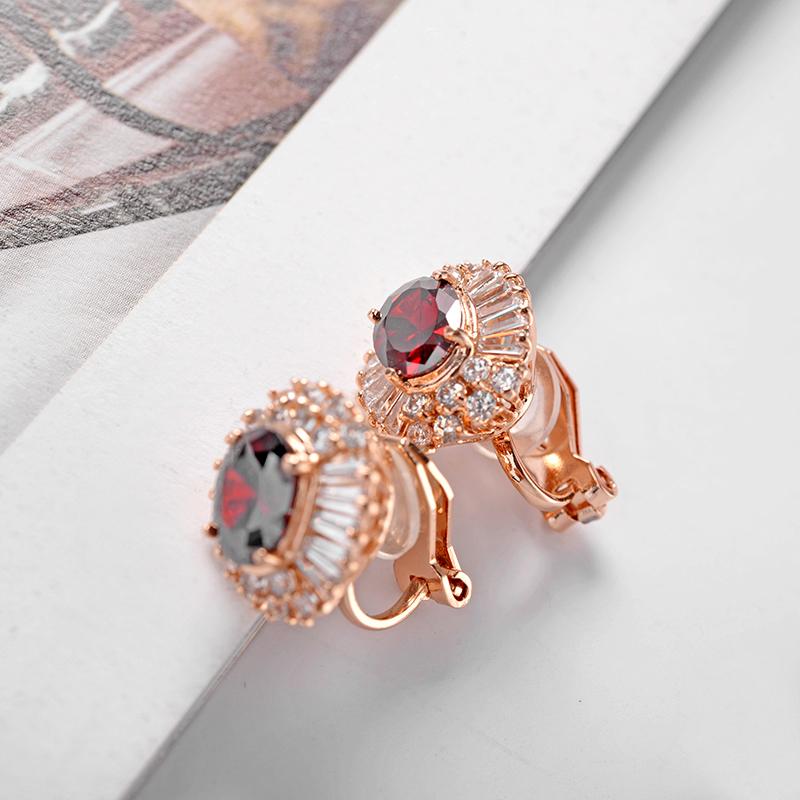 Clip on earring 120623